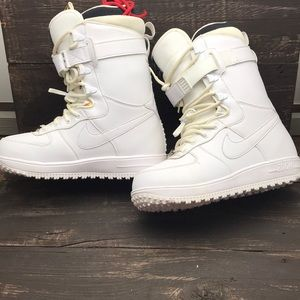 Nike Air Force 1 Snowboard Boots Size 7.5
